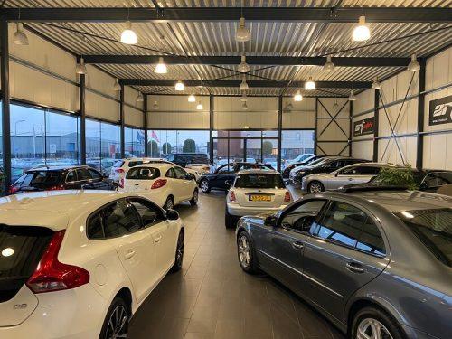 Autobedrijf showroom